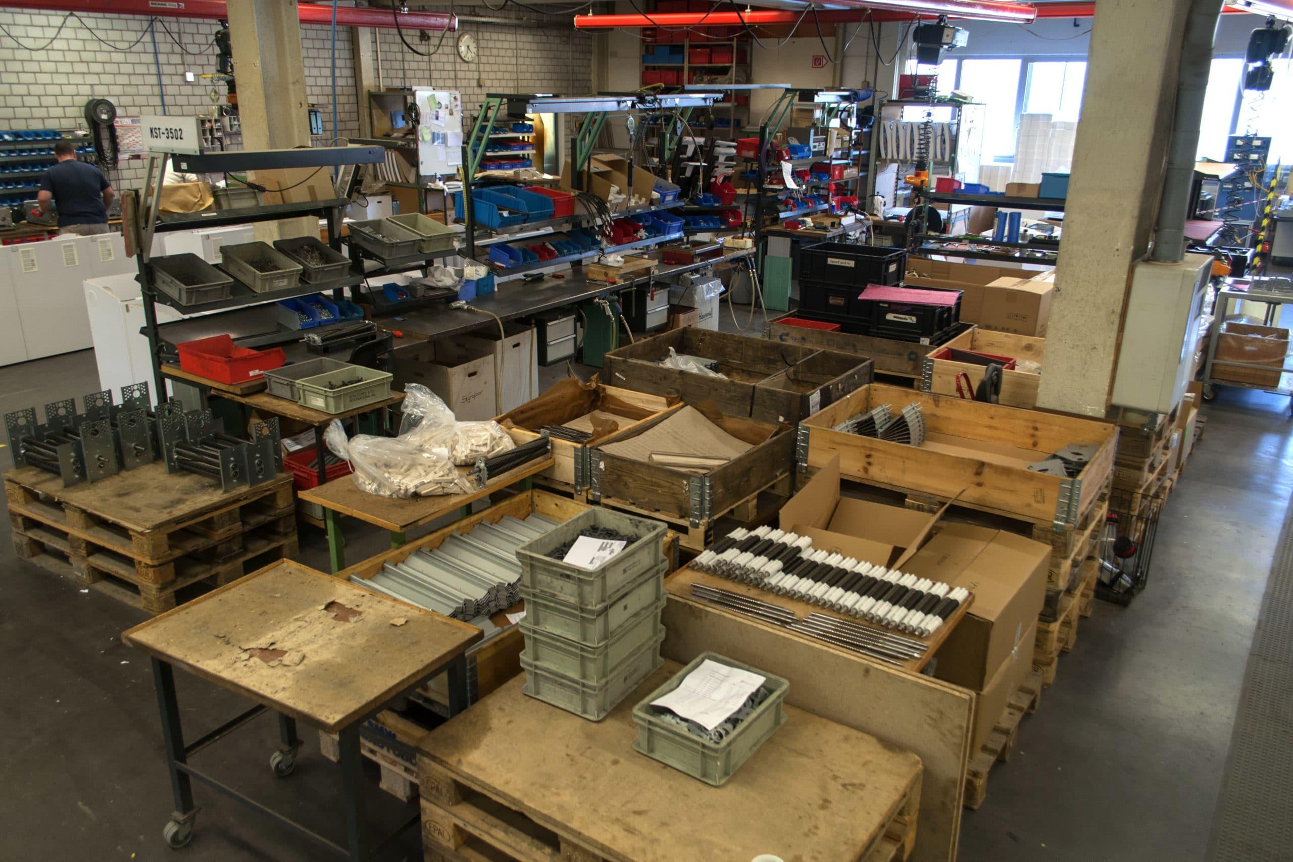 One peace flow ipv serieproductie Kanban systeem voor de aanlevering van materialen Labelling alle materialen Alles heeft een vaste plek Visuele vastlegging van de processen